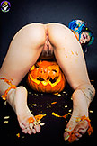 Preview Gothic Sluts - Cute Spooky Raver Babe Lum Pumpkin Carving